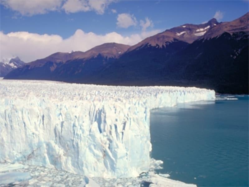 氷河は遠くから見るだけでなく、クルーズやトレッキングも可能undefined写真提供:アルゼンチン観光局