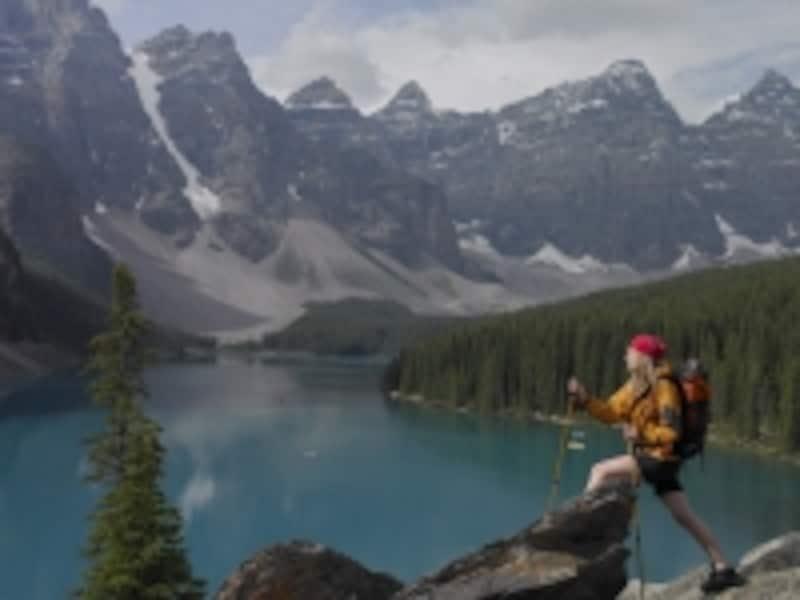 カナディアンロッキーでも人気の高い湖、モレーンレイクundefined(C)CTCCanada