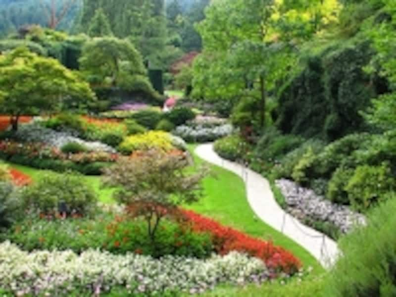 世界中からの観光客を集めるブッチャートガーデンは、咲いている花の量によって、入場料が変動(C)ButchartGarden