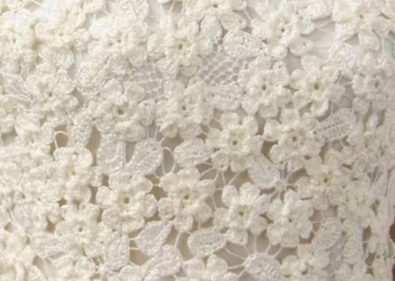 ラメ入りの糸で上品で華やかな仕上がりに