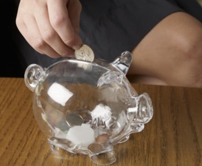 お金の重みを実感できる、貯金箱の活用方法