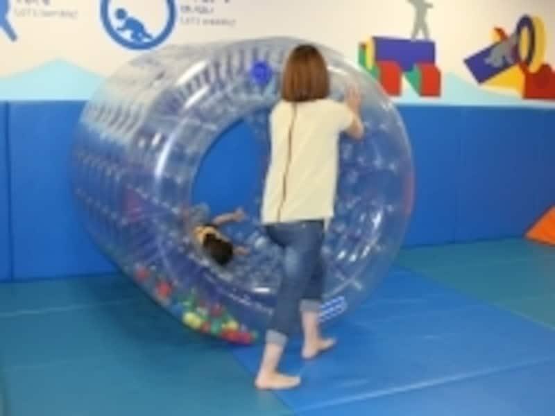 小さいうちは親子で体を動かす遊びが一番!