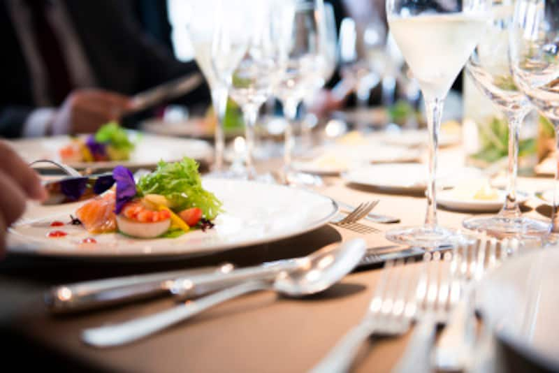 レストランで会費制の結婚式をするカップルも多い