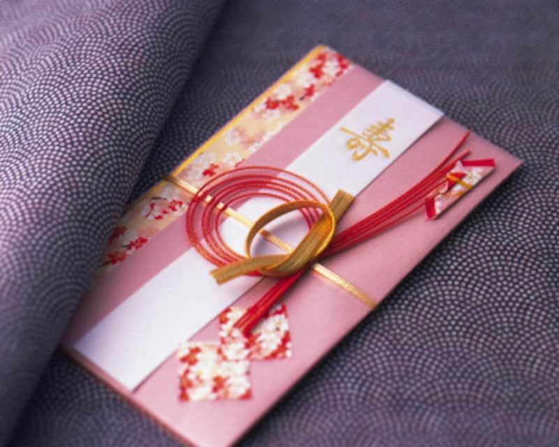 招待状に特に記載がなければ初婚と同じ金額