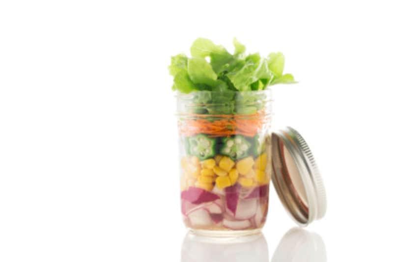 サラダは別の容器で持っていくと◎。