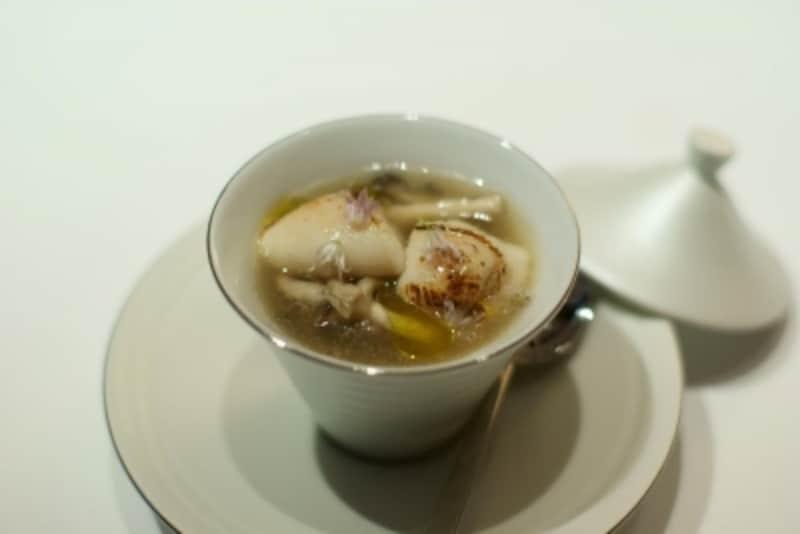 和泉小芋の茶碗蒸しundefined小豆島桜鯛白子と堺のヒラタケ