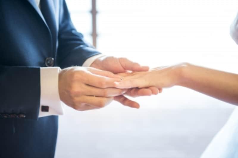 バツイチ再婚の結婚式には悩みがたくさん……