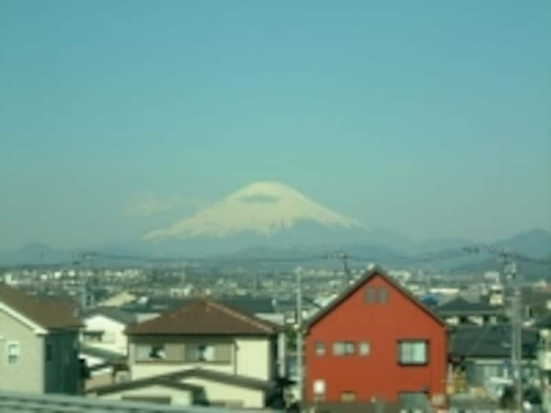 東海道新幹線新横浜-小田原間から眺める富士山