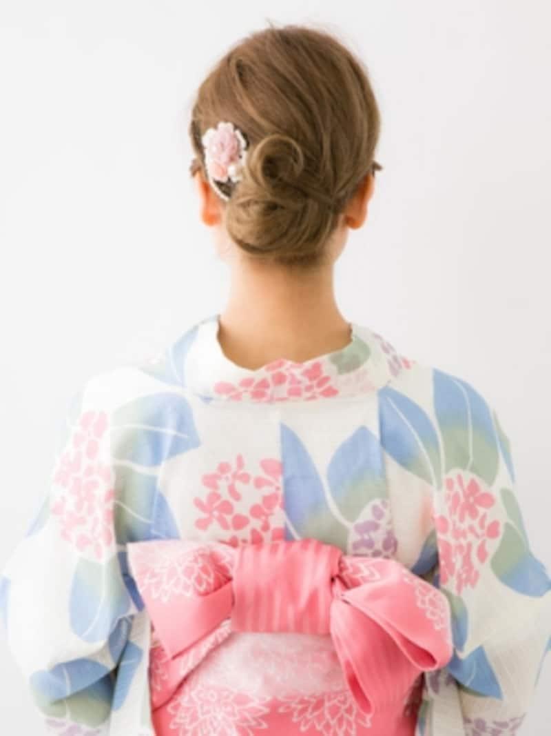 ボブ浴衣・編み込みでおでこをすっきり見せたまとめ髪・バック