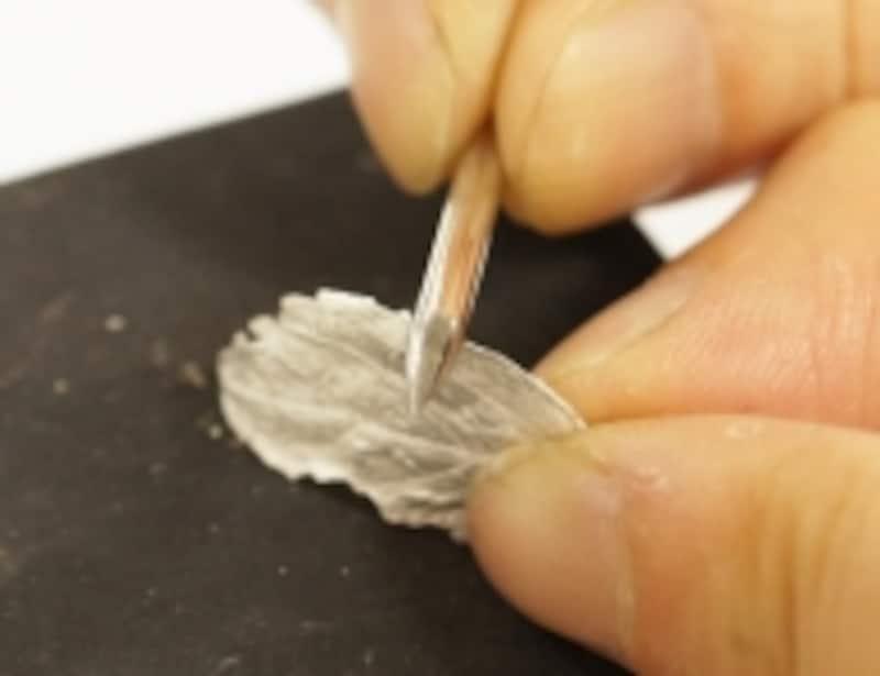 磨きヘラは重宝する彫金道具