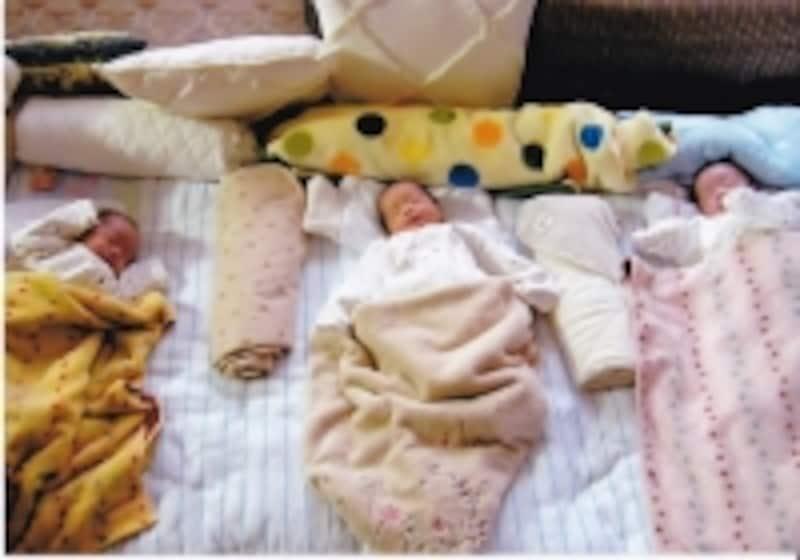 新生児期の三つ子ちゃん