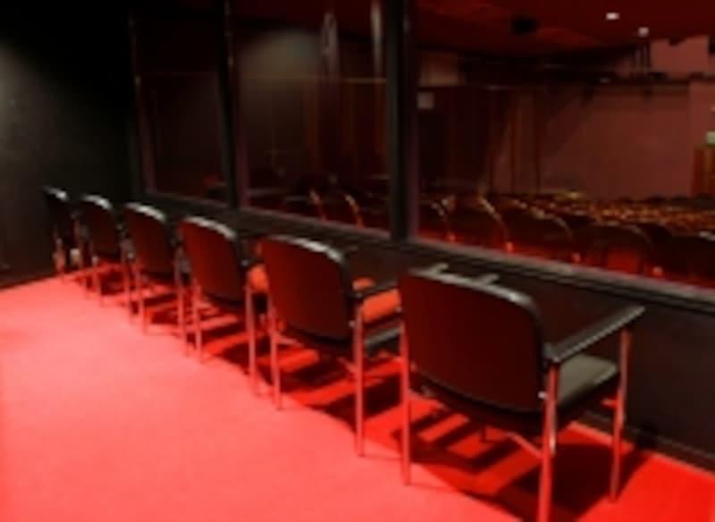 四季劇場「春」の親子観劇室。写真提供:劇団四季