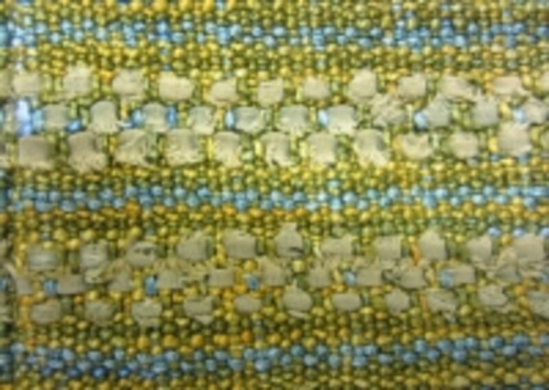 糸と裂き布のバランスをアレンジ