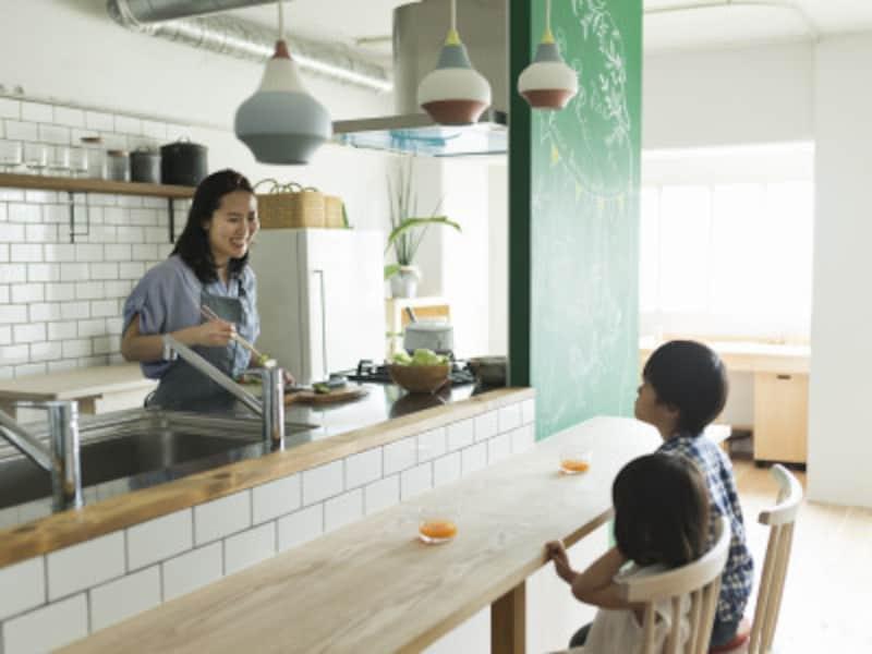 子育てしやすい対面キッチン