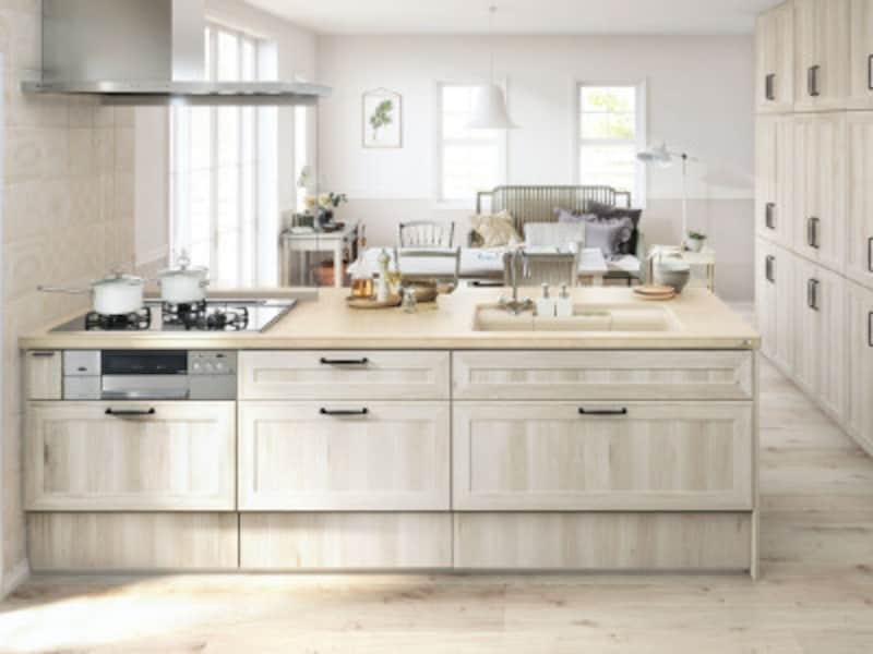 解放感があるフラット対面式キッチン
