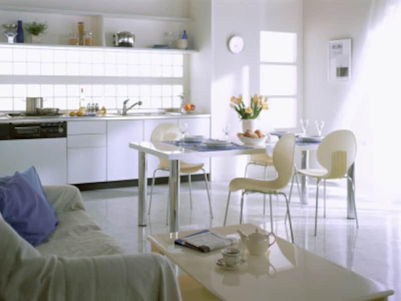 面積効率が良い壁付けオープンキッチン