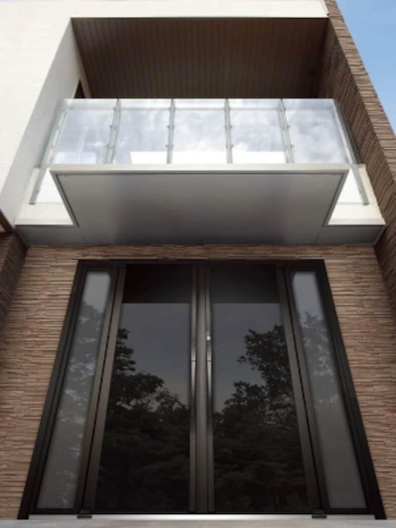 異素材な組み合わせ、シンプルな玄関ドア