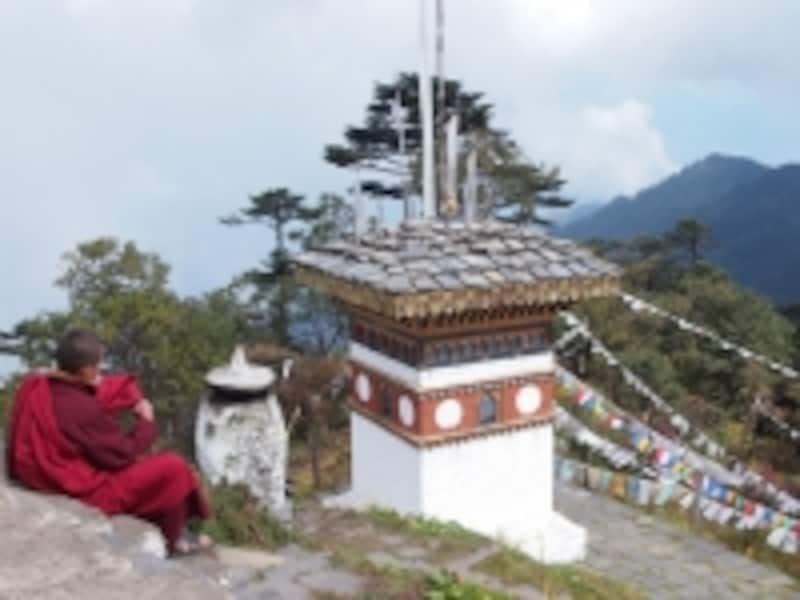 GNHと経済成長の間で揺れるブータン