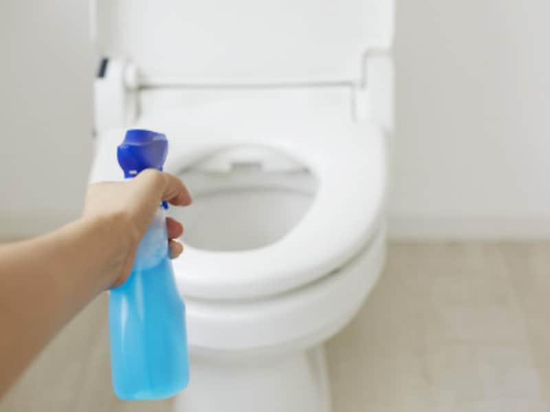 トイレの床と洗剤