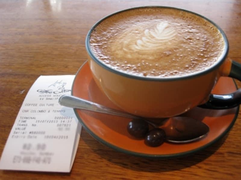 カフェで注文すれば無料でWi-Fiを使える所も
