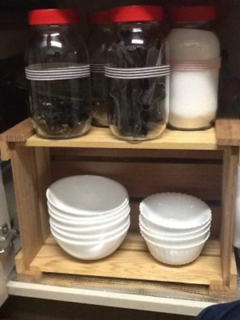 空き木箱と空き瓶を使った収納例undefined