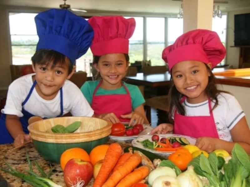 有名シェフも参加して行なわれる「ケイキ・イン・ザ・キッチン」。ケイキとは、ハワイ語で子供を意味する