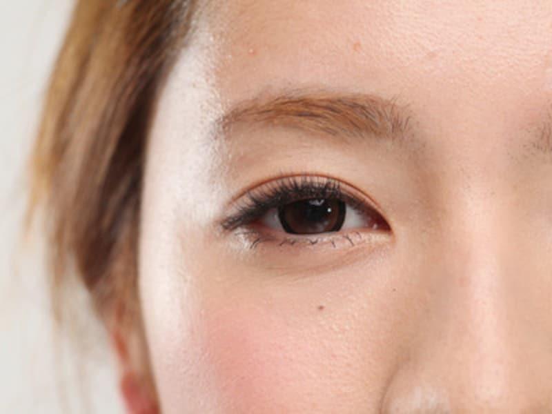 目が大きくなると小顔効果が!