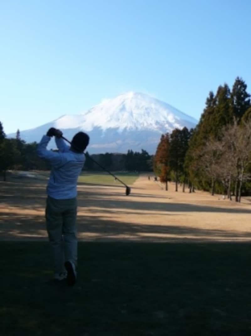 ゴルフをする時には、なるべく身軽でいたいもの