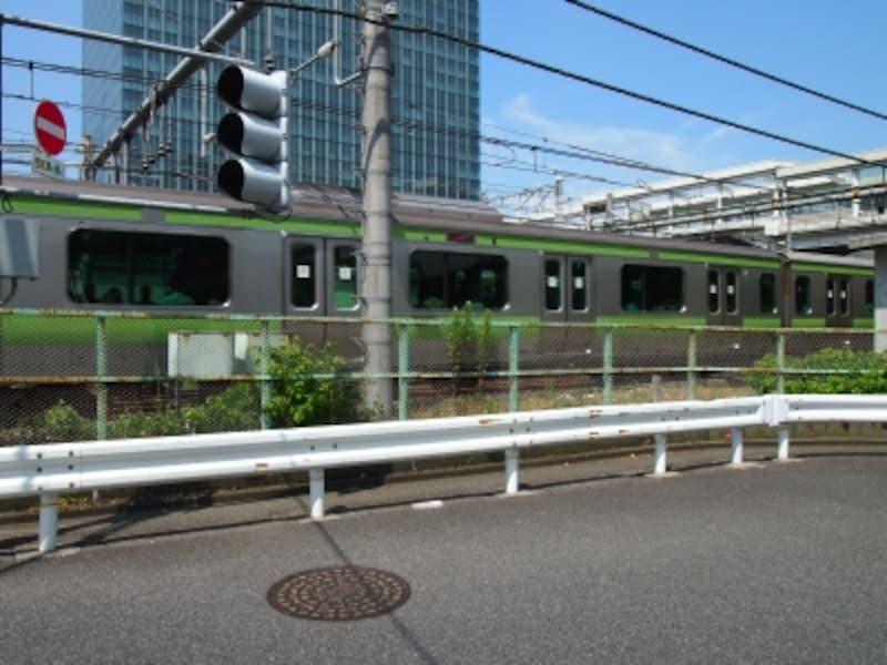 山手線は大崎行というのがけっこうあるけれど、ここで回送列車になるのだ。