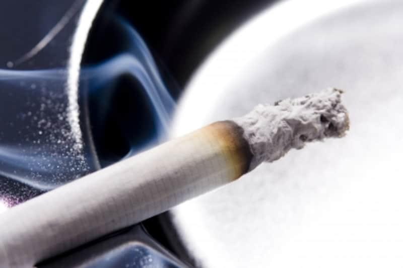 タバコを吸う人は保険料の節約ができない!?