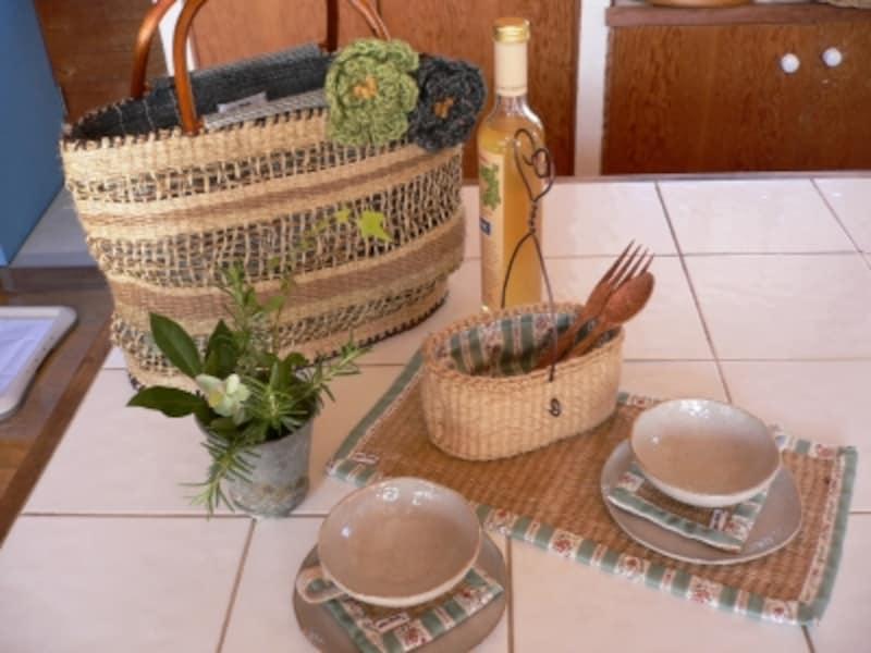輪織りで作ったバッグやキッチン雑貨たち