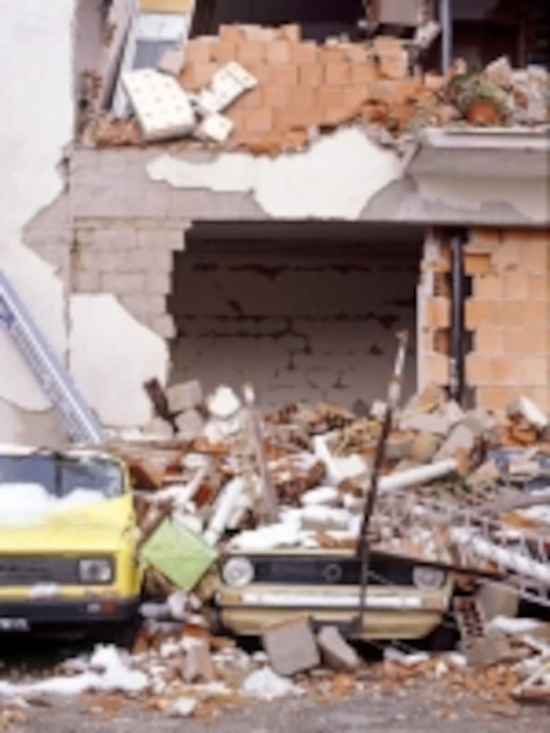災害で住まいが失われても住宅ローンはなくならない