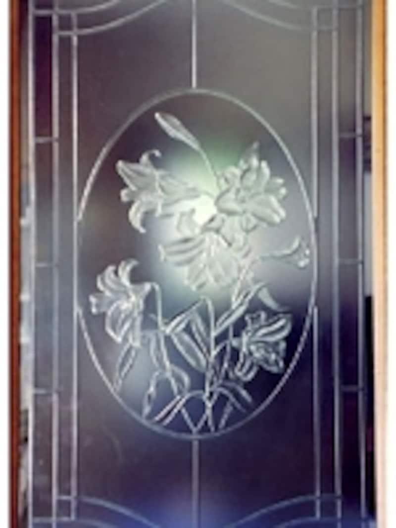 好みのデザインを自由に描けるエッチングガラス(エスアイガラス)