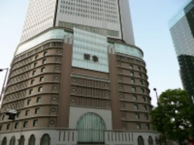 東京中央銀行大阪西支店として使われている阪急うめだ本店
