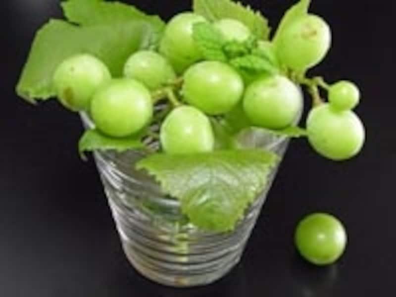 コップと葡萄