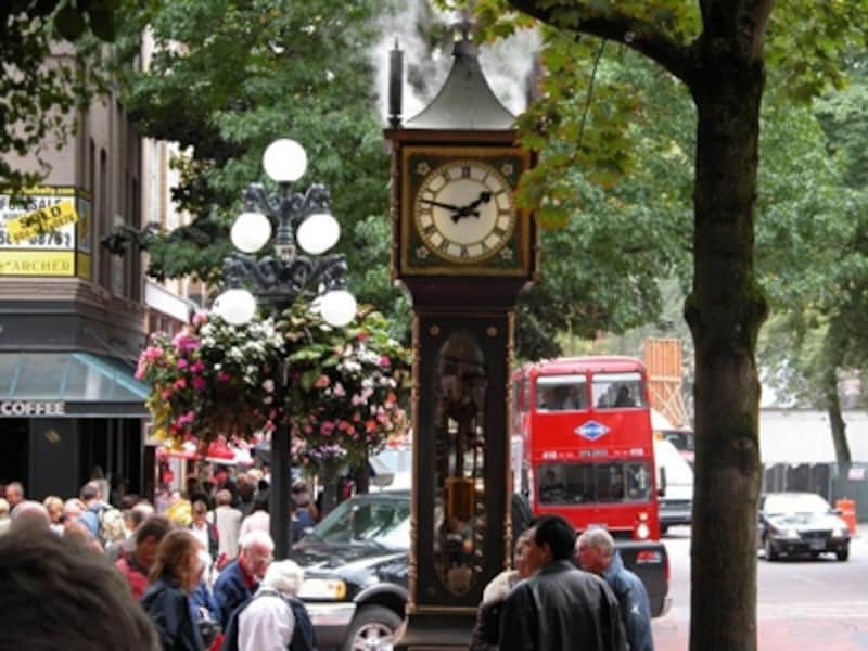 いつも観光客で賑わう蒸気時計undefined(C)TourismVancouver