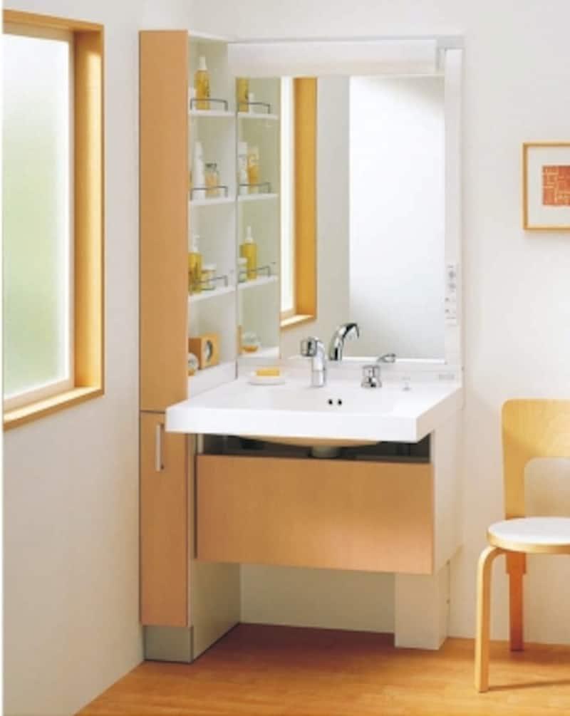 子供や高齢者の使い勝手を考えた、座っても使うことができるデザインの洗面台。[座って楽々シリーズ]undefinedTOTOhttp://www.toto.co.jp/