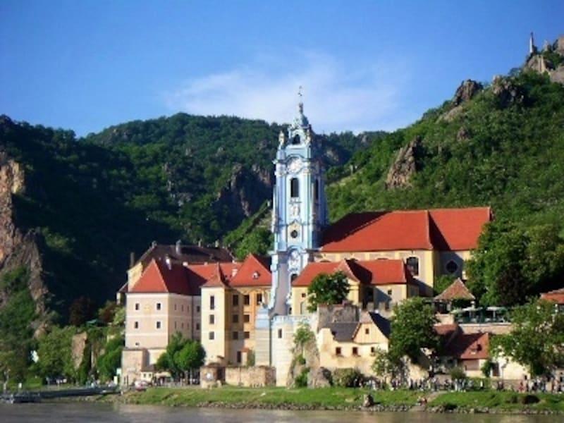 デュルンシュタインの青い教会