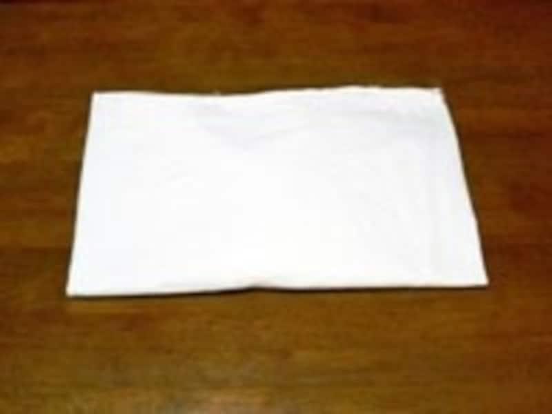 ボックスシーツのたたみ方手順8:ここまでできればかさばらず、引き出しなどに収納しやすい