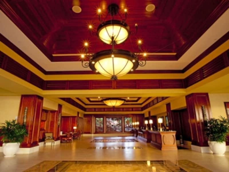 ヒルトン・ハワイアン・ビレッジ・ワイキキ・ビーチリゾートに位置するグランド・ワイキキアン。ホテルのホスピタリティとコンドミニアムのラグジュアリー感をあわせ持つタイムシェア・リゾート