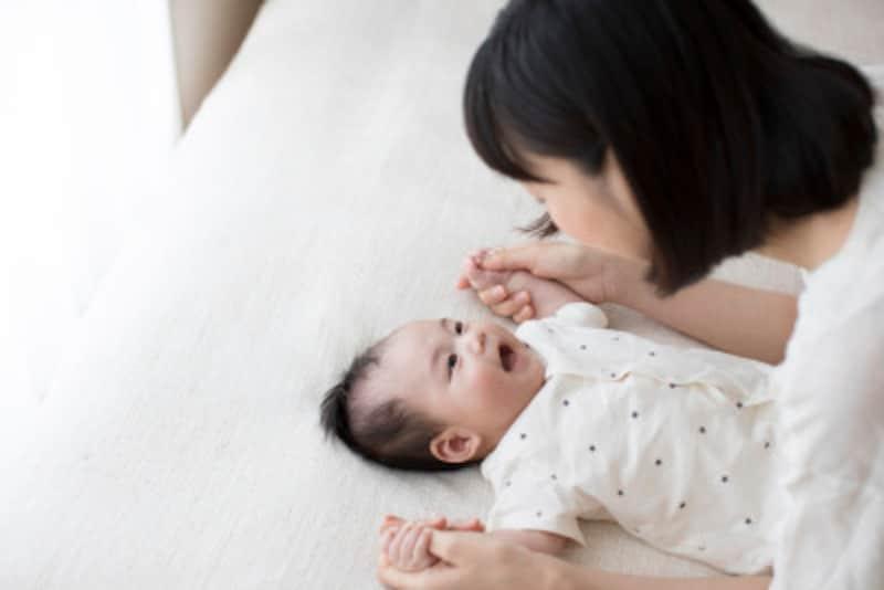 0歳児の心と体を育てる遊びわらべうたで乳児とのふれあい遊び