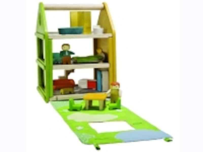 「プレイドールハウス」は家具と人形付きの3階建て