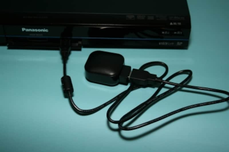フロントUSBポートで接続した無線LANアダプタ。