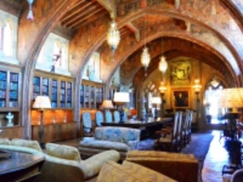豪華に装飾された部屋の1つ