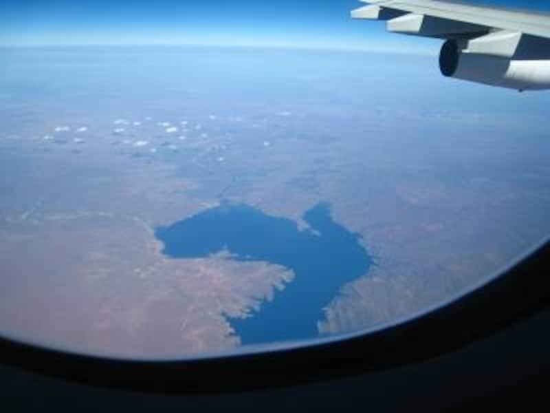 飛行機ならヨーロッパの都市で乗り換えて南スペイン入り