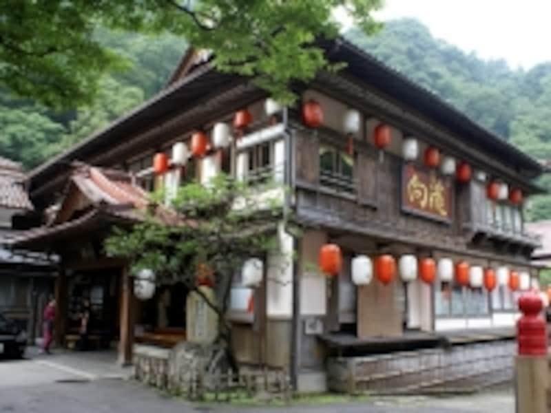 温泉宿「向瀧」の外観