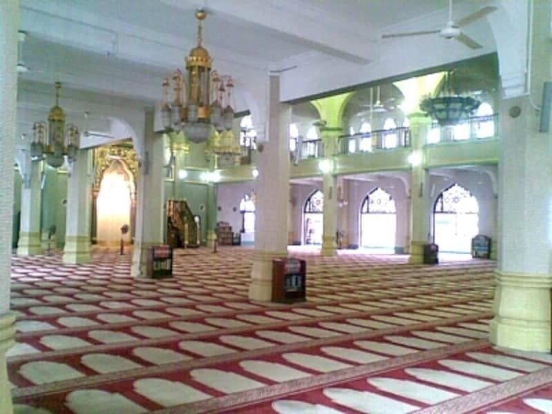 サルタンモスクの内部の様子