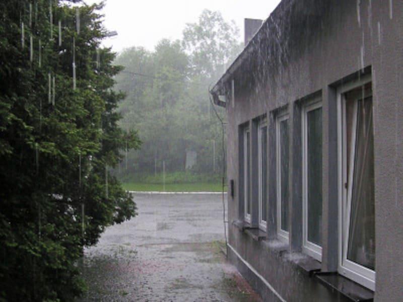 台風・竜巻・強風対策に! 窓ガラスを守るためのリフォーム術