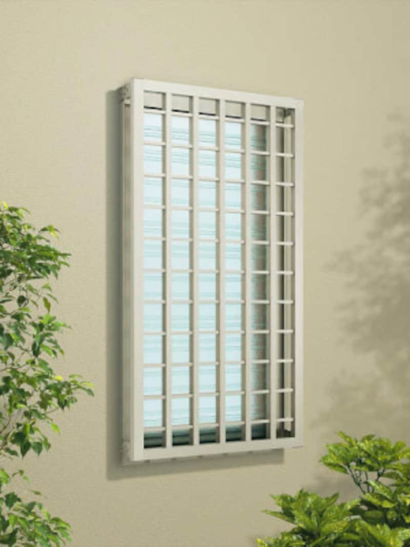 窓を守る面格子