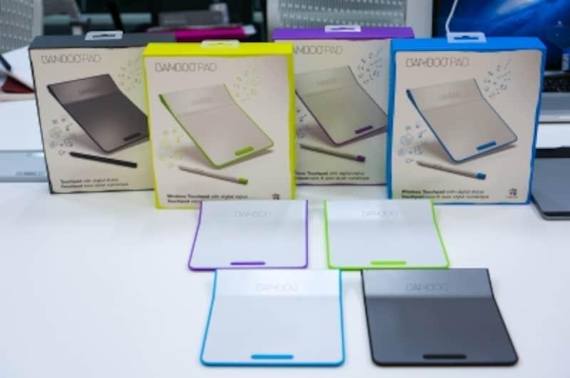Wacomのスタイラスペン付きタッチパッド「BambooPad」の4色ラインナップ。